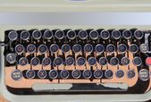 Ancien aged typewriter vintage retro qwerty — Stock Photo