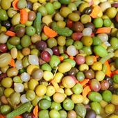 Olives and pickles texture food pattern mediterranean — Stock Photo