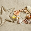 Beach white sand heart shape starfish print summer — Stock Photo
