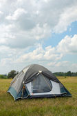 Tent under the dark blue sky — Stock Photo