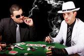 Dos gángsters jugando a las cartas — Foto de Stock