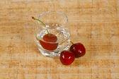 La bevanda e ciliegia — Foto Stock