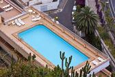 Pool auf dem dach — Stockfoto