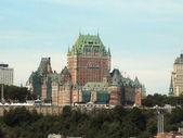 замок фронтенак в городе квебек — Стоковое фото