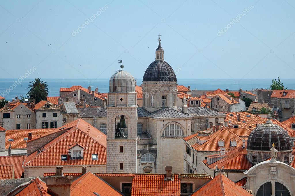 Croatia. Dubrovnik fortified town view from the ancient wall. — Stock Photo #5935636