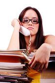 Mladá žena s problémy a stres v kanceláři — Stock fotografie