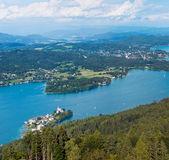 Panorama do lago worthersee, vista aérea, áustria — Fotografia Stock
