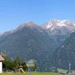 Mountain village in the Alps — Stock Photo