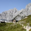 Mountain hut in the Wilder Kaiser — Stock Photo