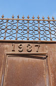 Rusty iron gate — Stock Photo