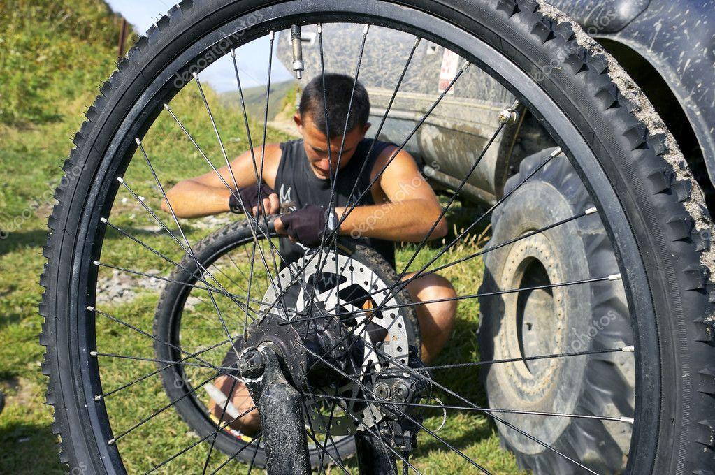 Как отремонтировать колесо на велике - Dorel.ru
