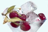 Cherry en ijs — Stockfoto