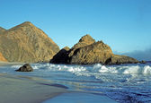 Waves on the Big Sur Coast of California — Stock Photo