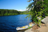 Canoe in camp in the Boundary Waters — Stockfoto