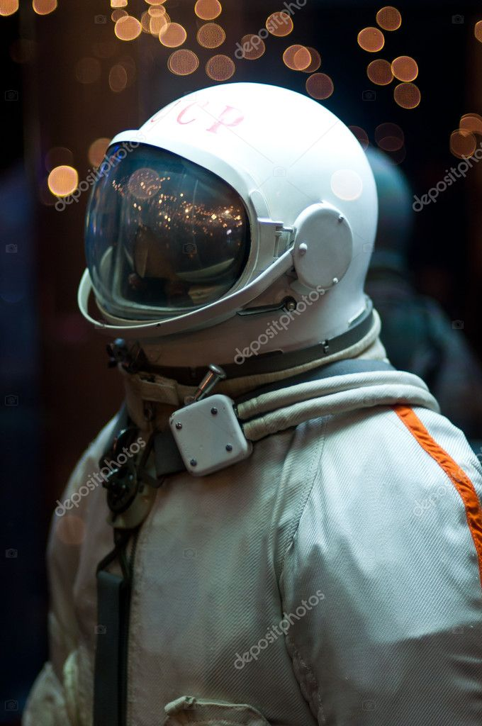 Astronaut in cosmic museum, Moscow — Stock Photo #5673981