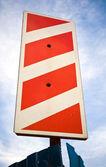 Panneau de signalisation de dénudé blanc rouge — Photo