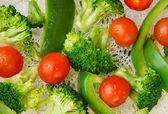 Steamed broccoli, cauliflower, and cherry tomato — Stock Photo