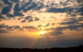 戏剧性点燃的云 — 图库照片