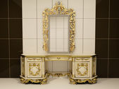 Baroque gold mirror with royal chest — Stock Photo