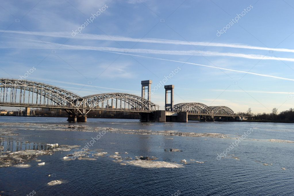 View of the railway bridge , St. Peterburg , Russia — Stock Photo #5575690