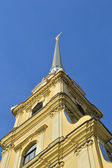 Campanario de la catedral de san pedro y san pablo — Foto de Stock