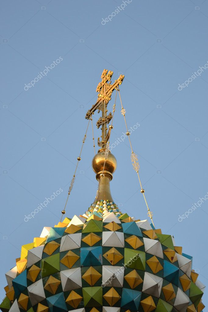 Dome and  cross  of Church of the Savior on Blood , St. Petersburg , Russia  — Stock Photo #5611990