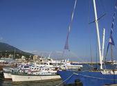 Little cruise boats and yachts in port, Yalta, Crimea, Ukraine — Stock Photo