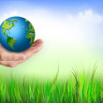 manos sosteniendo el globo. concepto de la energía ambiental — Foto de Stock