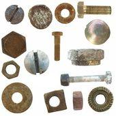 Viejo cabezas de los tornillos, pernos, tuercas de acero, aisladas sobre fondo blanco — Foto de Stock