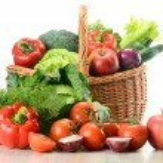 Vegetables in wicker basket — Stock Photo