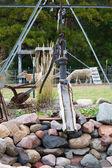 Una vieja bomba de agua antigua. — Foto de Stock