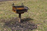 Barbecue grill in een park — Stockfoto