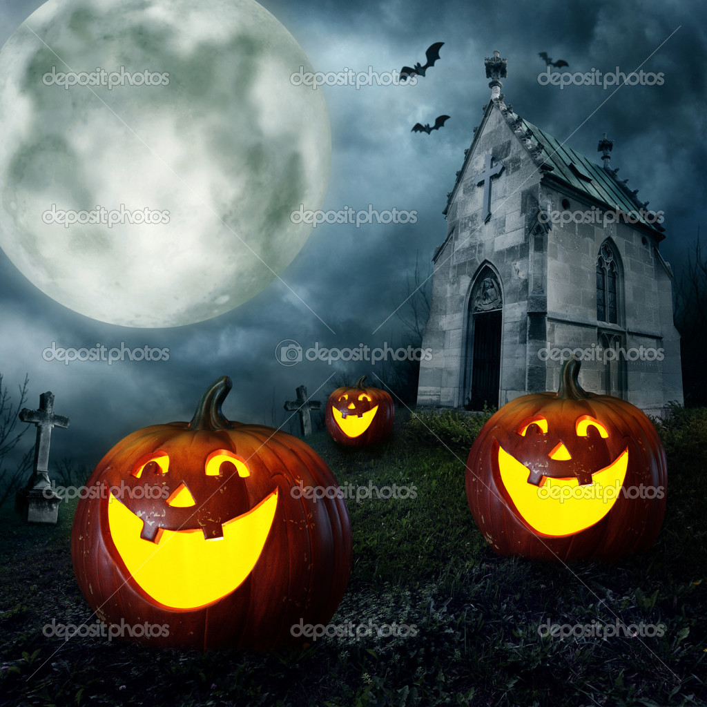 Halloween pumpkins and cemetery chapel at night — Stok fotoğraf #6344476