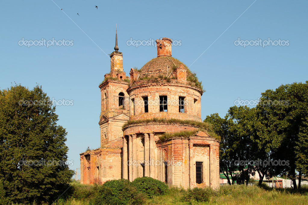 The ruins of an old church — Stock Photo #6731609