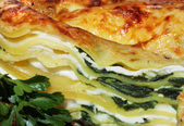 Vegetarian lasagna with ricotta cheese and spinach filling — Stock Photo