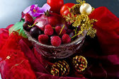 Fruit bowl with fruit — Stock Photo