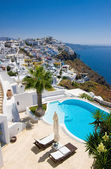 Santorini swimming pool — Stock Photo