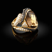 Gold ring — Stock Photo