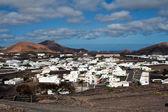 查看到 uga,农村村在兰萨罗特岛 — 图库照片