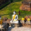 Buddha statues at the temple of Wat Yai Chai Mongkol — Stock fotografie