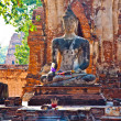 Buddha statue in beautiful light in Mahathat temple — 图库照片