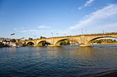 London Bridge in Lake Havasu, old historic bridge rebuilt with original sto — Stock Photo