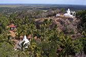 Mihintale からの仏教修道院 — ストック写真
