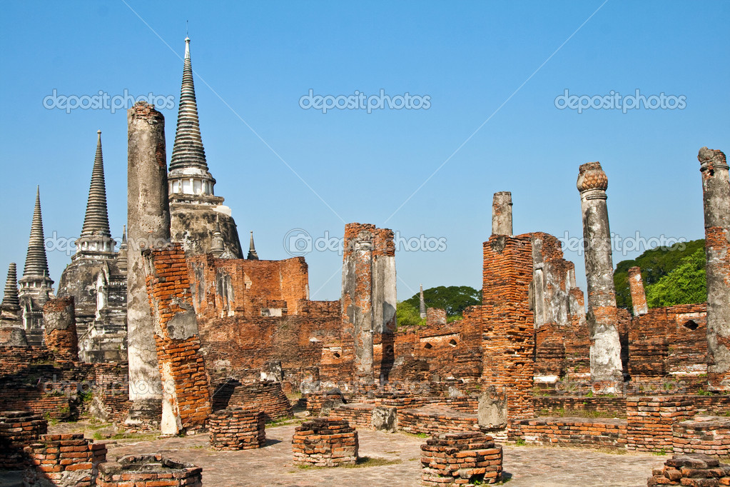 Famous temple area Wat Phra Si Sanphet, Royal Palace in Ajutthaya — Stock Photo #5520464