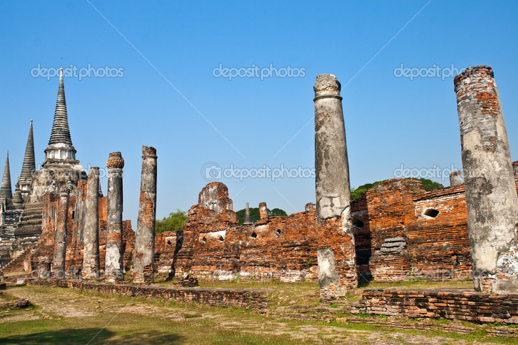 Famous temple area Wat Phra Si Sanphet, Royal Palace in Ajutthaya — Foto Stock #5520468
