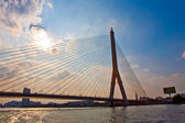 "Bridge Rama 8 spans the river ""Mae Nam Chao Phraya"" in Bangkok — Stock Photo"