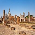 Famous temple area Wat Phra Si Sanphet — Stock Photo #5543365