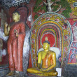 Buddah and painting in the famous rock tempel of Dambullah — Foto de Stock