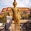 A kinaree, a mythology figure, in the Grand Palace in Bangkok — 图库照片