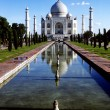 White marble Taj Mahal in India — Stock Photo #5619786